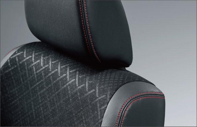 """N-WGN Custom Special Edition """"SS 2 Tone Color Style Package Ⅱ"""" Комбинированная обивка сидений: гладкая кожа и трикотажные вставки (красная двойная строчка)"""
