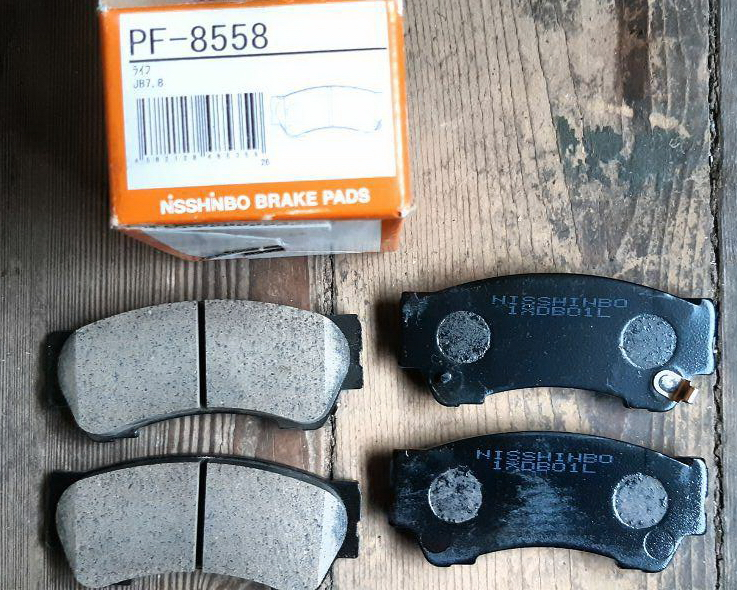 Передние тормозные колодки для турбо версии Honda N-WGN: Nisshinbo PF-8558